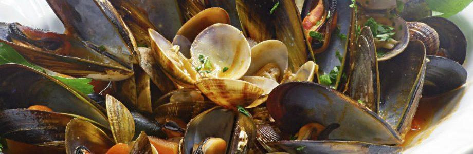 Sautè di cozze e vongole, uno dei piatti di pesce dell'osteria il gobbetto