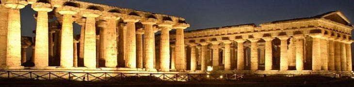 Parco Archeologico di Paestum di notte
