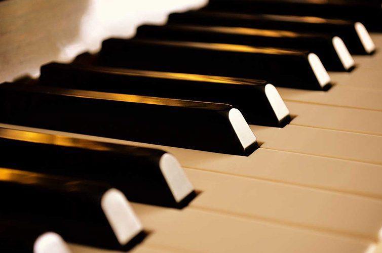 Musica al pianoforte al Museo di Pietrarsa con degustazioni di vino