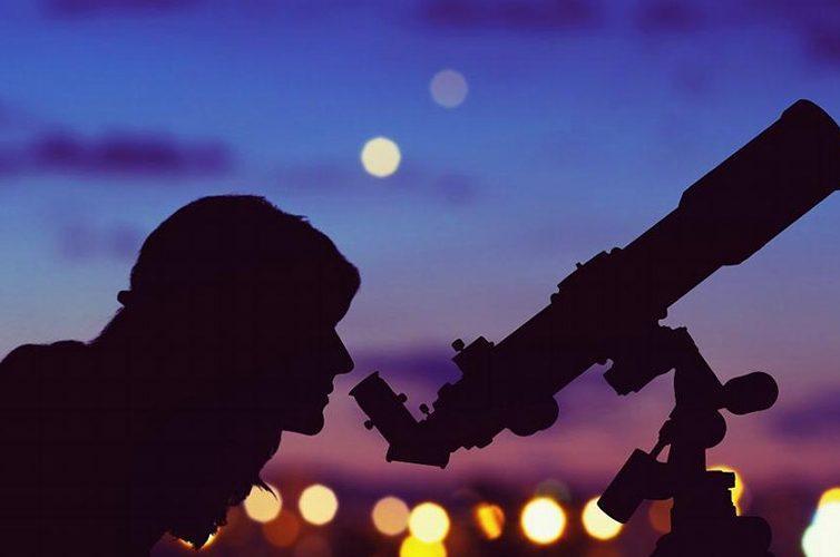 Osservazioni delle stelle al telescopio