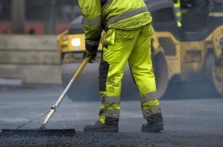 Lavori al manto stradale