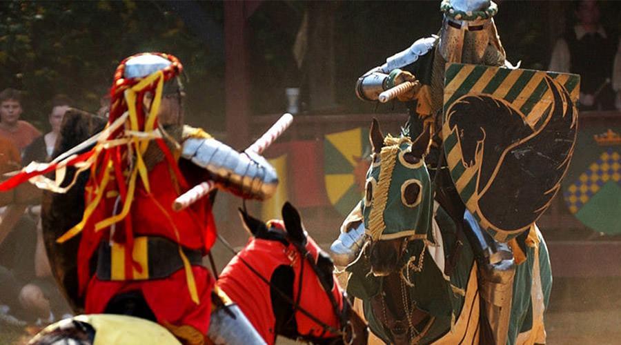 Duello a cavallo, Giostra dei Sedili a Napoli