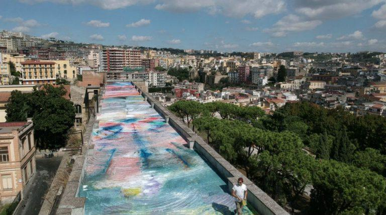 The work of 1500 mq of the painter Zabetta realized on the roof of the former military hospital in Naples