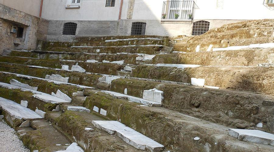 Teatro greco-romano a Napoli, visite gratuite