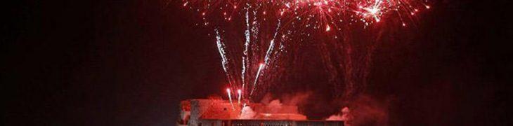 Fuochi d'artificio al Castel dell'Ovo a Napoli