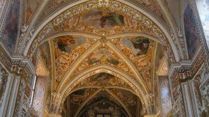 Certosa di Padulaは、Xnumxの秋の日に訪れることができます。