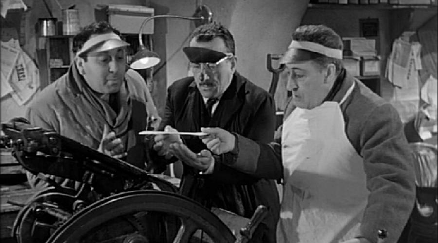 La banda degli onesti, il film con Totò e Peppino al Teatro Augusteo di Napoli