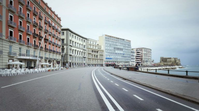 The municipality of Naples starts work on the redevelopment of the promenade