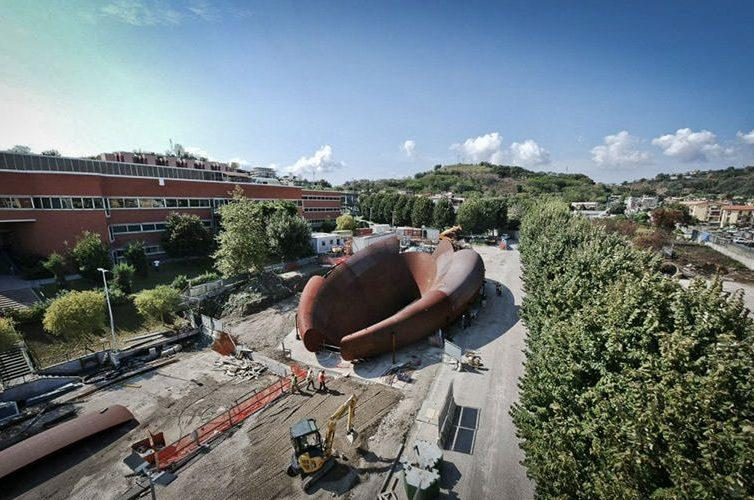 Scultura metro linea 7 Monte Sant'Angelo a Napoli