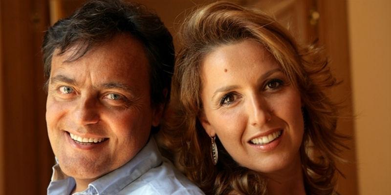 Eduardo Tartaglia e Veronica Mazza in Tutto il mare o due bicchieri al Teatro Sannazaro di Napoli