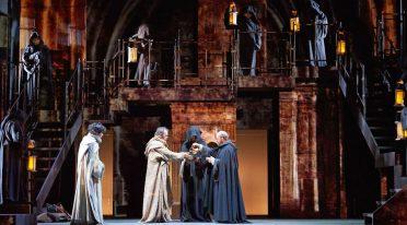 Il nome della rosa in scena al Teatro Bellini di Napoli