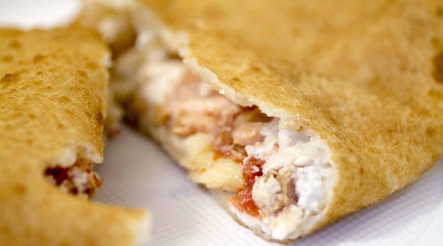 Pizza fritta della Masardona, nuova sede sul Lungomare di Napoli