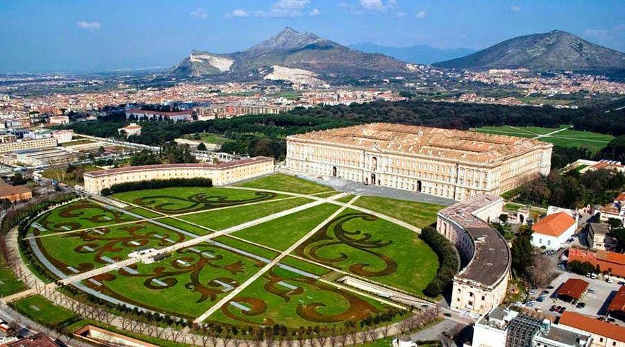 Napolike eventi arte cultura e viabilit a napoli e for Mobilifici caserta e provincia