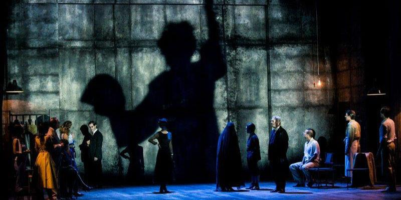 Se personaggi in cerca d'autore al Teatro Mercadante di Napoli