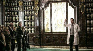Visita guidata teatralizzata su Giuseppe Moscati alla Farmacia degli Incurabili a Napoli