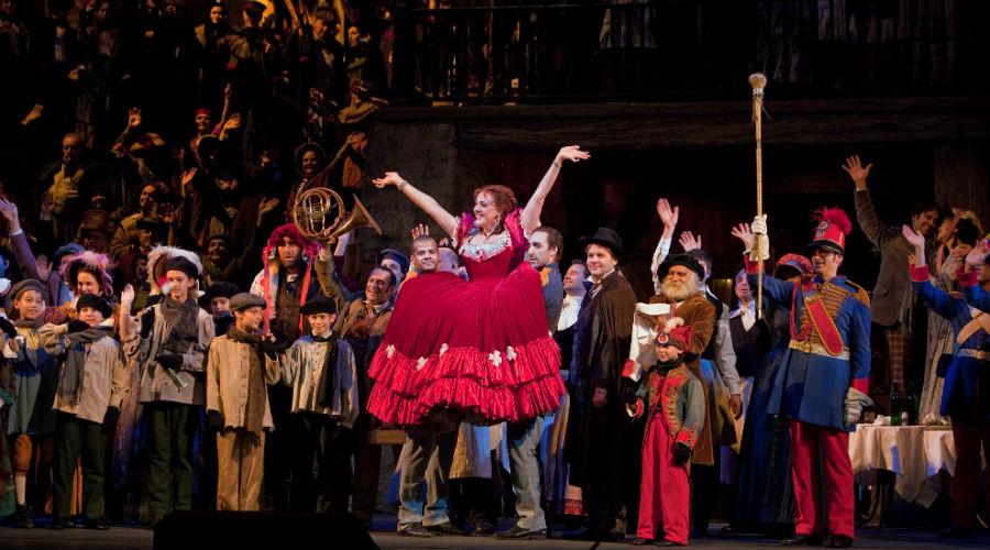 Al Teatro San Carlo di Napoli va in scena La Boheme di Puccini