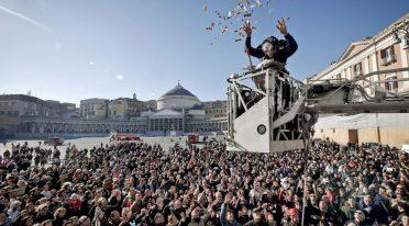 Festa della Befana a Napoli, regali e dolci in PIazza Plebiscito