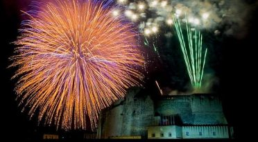 Fuochi d'artificio al Castel dell'Ovo per Capodanno