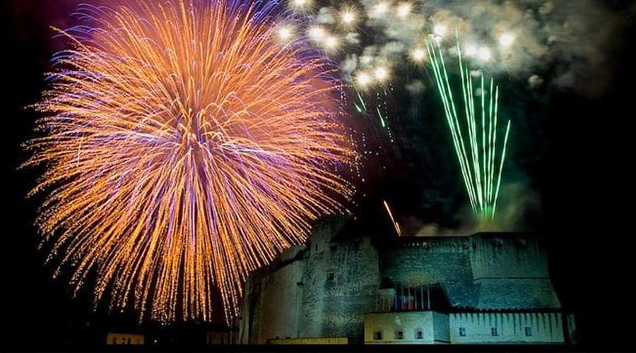 Фейерверк в Кастель дель Ово на Новый год