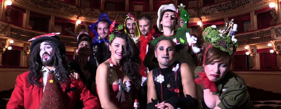 Gli attori di Dignità Autonome di Prostituzione al Teatro Bellini di Napoli