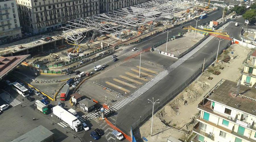 Lavori in Piazza Garibaldi a Napoli