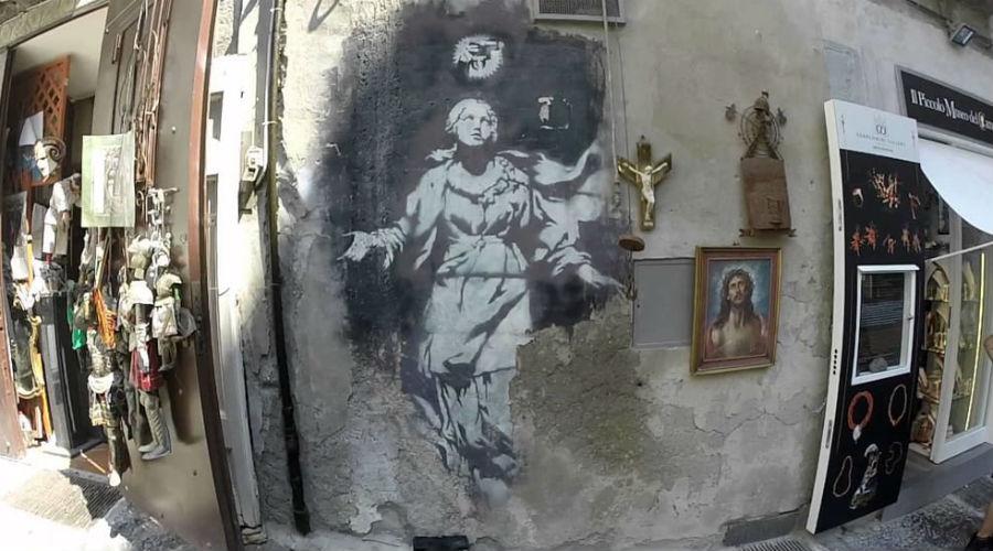 Madonna mit der Waffe