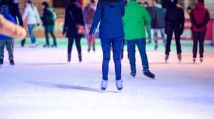 locandina di Pista di pattinaggio su ghiaccio al Vulcano Buono di Nola per Natale 2017