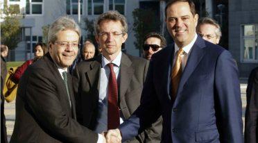 Matteo Gentiloni, Gaetano Manfredi et Chuck Robbins