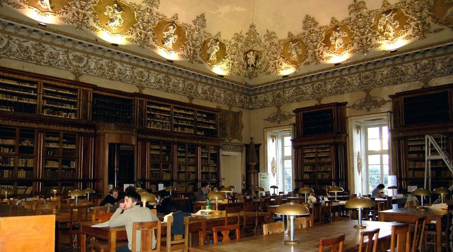 locandina di Visite gratuite nel Laboratorio del Restauro alla Biblioteca Nazionale di Napoli