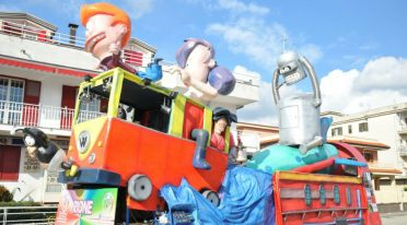 Carri allegorici al Carnevale di Saviano