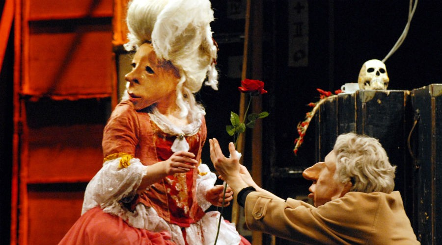 Familie Floz in scena al Teatro Bellini di Napoli con Teatro Delusio