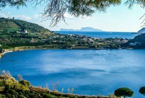 Panoramica del Lago d'Averno