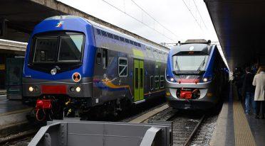 ナポリの地下鉄列車2ライン