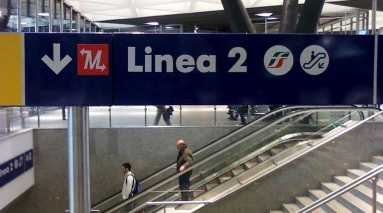 Fermata della metro linea 2 a Napoli
