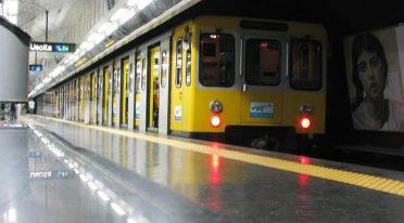 Línea de metro 6 Naples