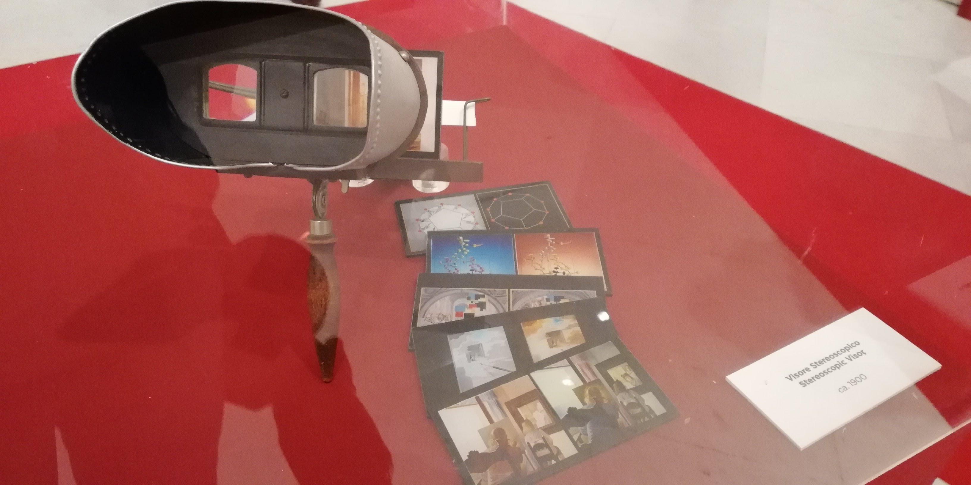Visore stereoscopico di Dalì