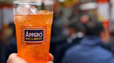 Ich werde in Neapel, Spritz des lokalen Perol gewidmet sein