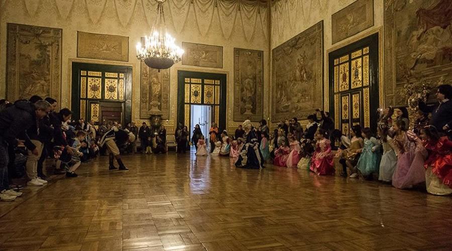 Carnevale 2018 a napoli al palazzo reale con visita for Planimetrie del palazzo con sala da ballo