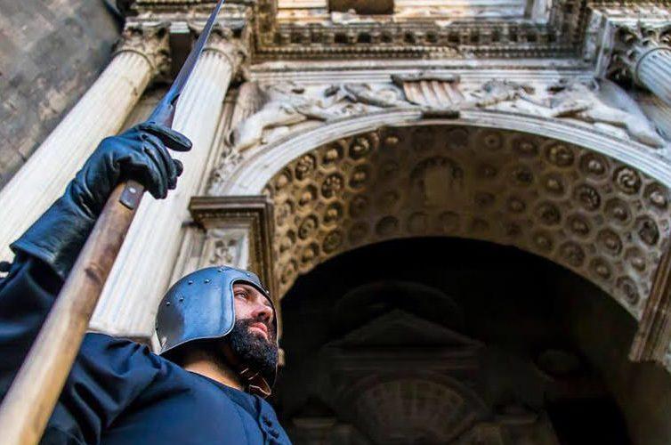 Cavaliere al Maschio Angioino a Napoli