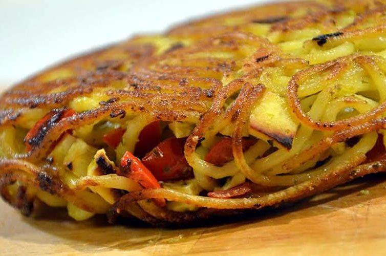 Giri di Pasta a Napoli, frittata di pasta