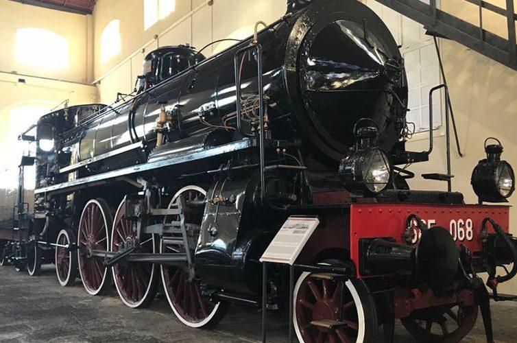 Locomotiva nel Museo di Pietrarsa