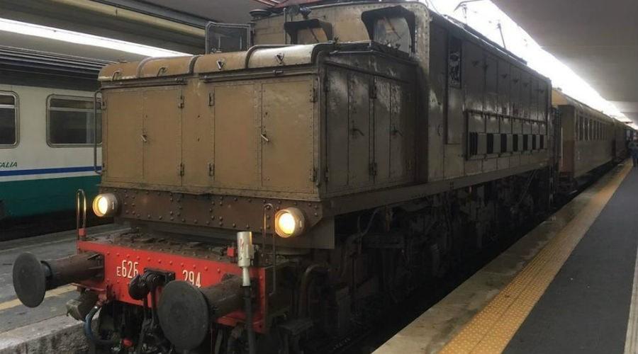 locandina di Pietrarsa Express 2018, le date per viaggiare in treno d'epoca fino al museo ferroviario
