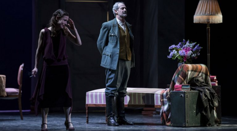 The Banality of love at the mercadante theater