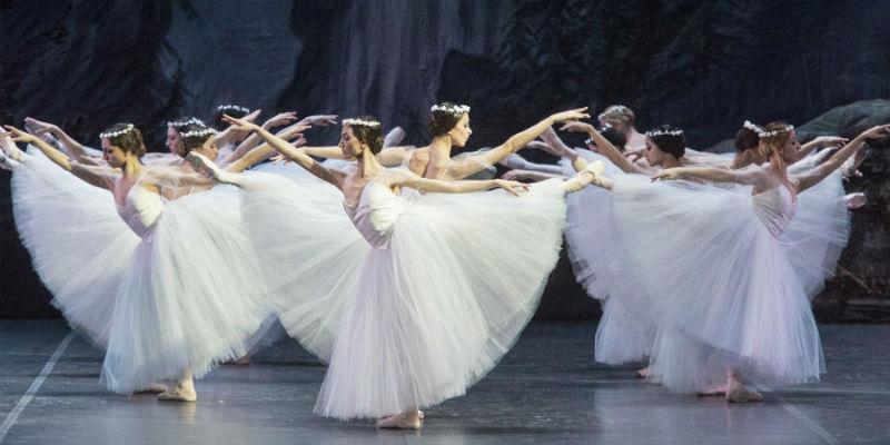 Il balletto classico Giselle al Teatro San Carlo di Napoli