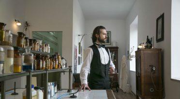 Visita guidata teatralizzata su Giuseppe Moscati alla Farmacia degli Incurabili di Napoli