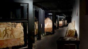 locandina di I Venerdì dei Depositi a Paestum 2018 con visite ai tesori inediti del Museo