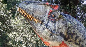 Cartel de dinosaurio en carne y huesos en Nápoles: en el Astron Reserve 30 especímenes de tamaño natural