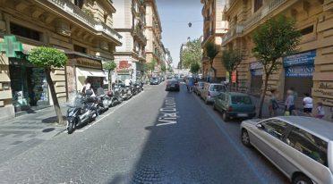 via Duomo nach Neapel