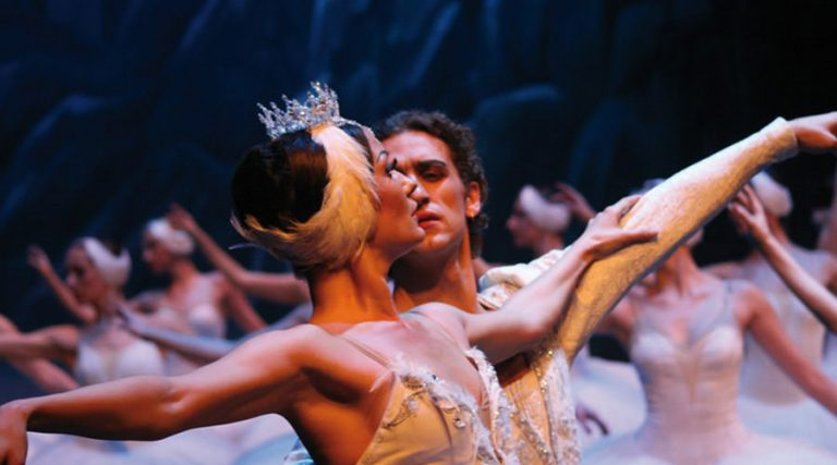 En Ballina Flegrea en Nápoles, el ballet Il Lago dei Cigni