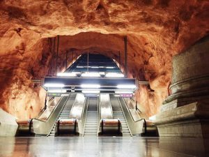 Metro Materdei scale